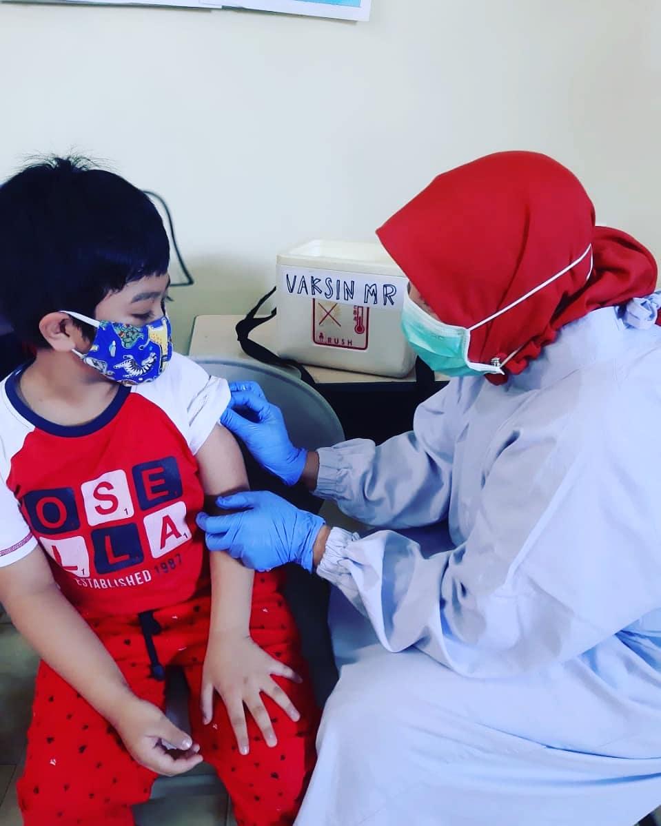 Kegiatan Imunisasi SD BSS Malang